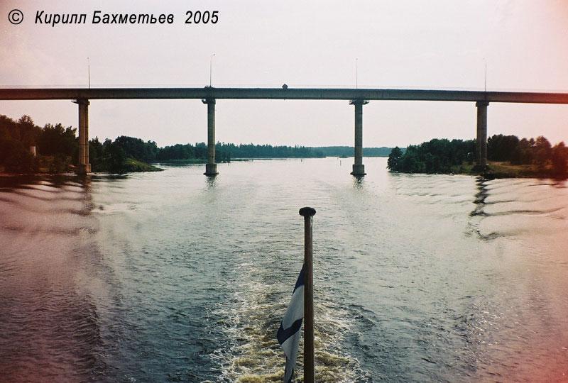 Мост через пролив Кивисиллансалми