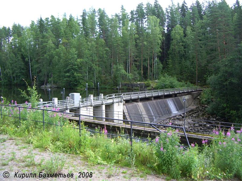 "Плотина гидроэлектростанции ""Лахнасенкоски"""