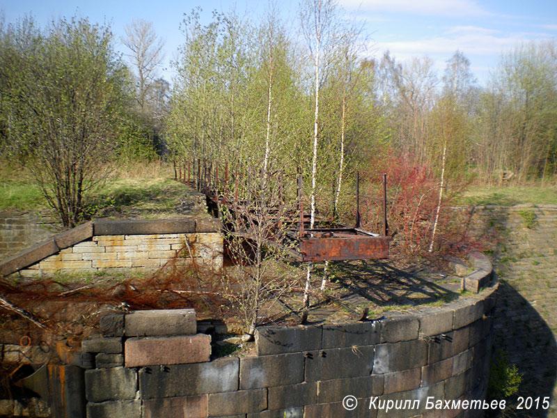 Разводной мост над восточной секцией Петровского дока