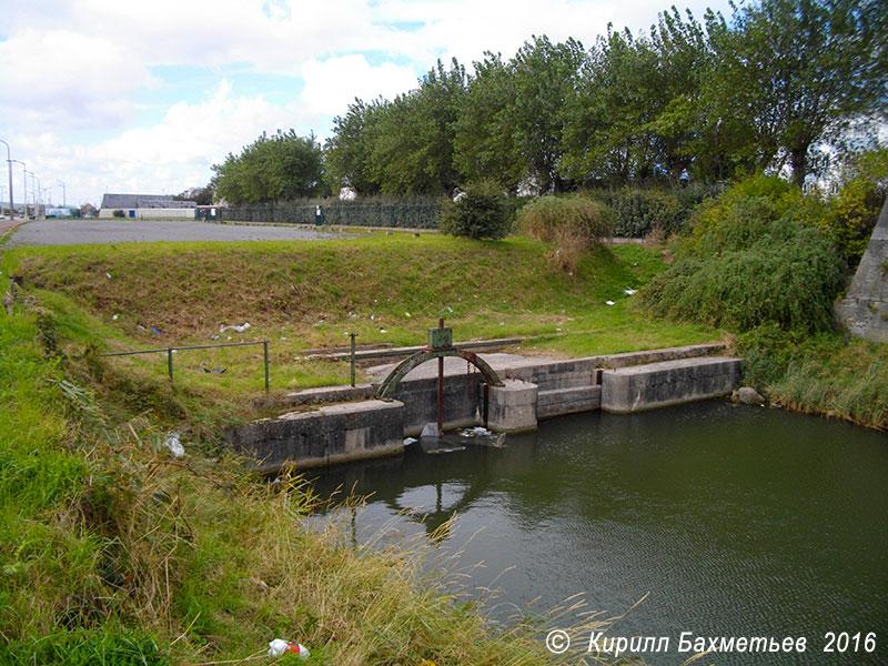 Плотина на канале Цитадели